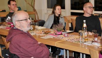 Gäste beim BONUS-Fortbildungsaabend in Göttingen. Foto: Caritas