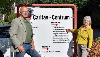 Ulrich Schmalstieg und Friederike Smilge arbeiten in der Suchtberatung im Caritas-Centrum Duderstadt. | Foto: Broermann / kpg