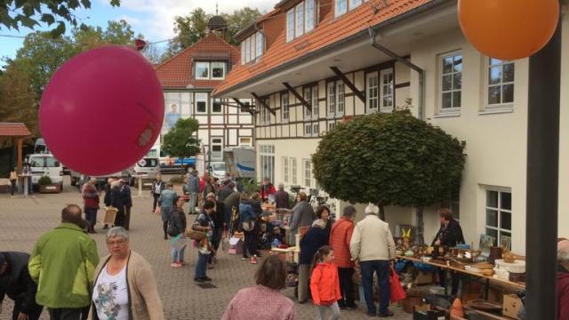 Zuletzt gab es 2019 einen Flohmarkt im Caritas-Centrum Duderstadt (Archivbild).   Foto: Jacobi / Caritas Südniedersachsen