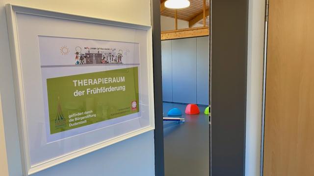 Eingang zum Therapieraum im Inklusiven Campus Duderstadt.   Foto: Caritas