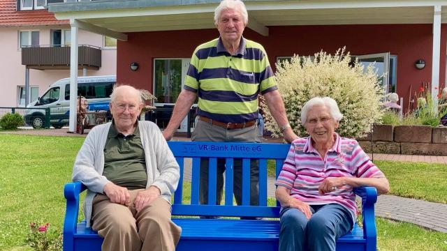 Seit dem Start der Tagespflege St. Vinzenz als Gäste dabei (v.l.): Werner Schwiegershausen, Willi Möhle und Christa Wiehe. | Foto: Caritas Südniedersachsen
